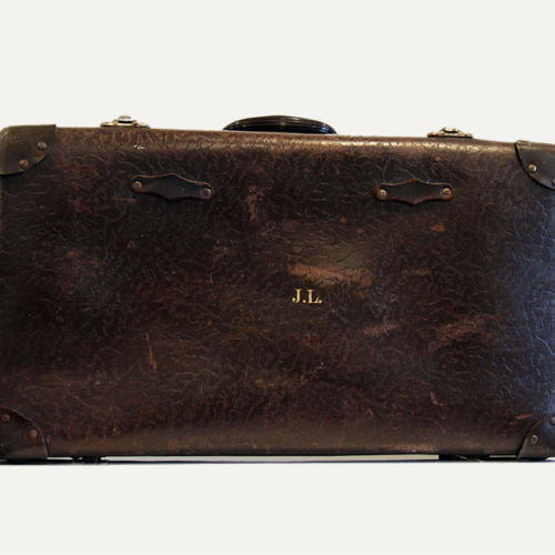 Large Brown Vintage Suitcase - Wedding Hire Wanaka - Major & Minor