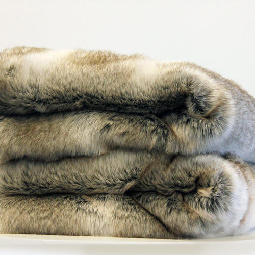Throw - Arctic Faux Fur - Wedding Hire Wanaka - Major & Minor
