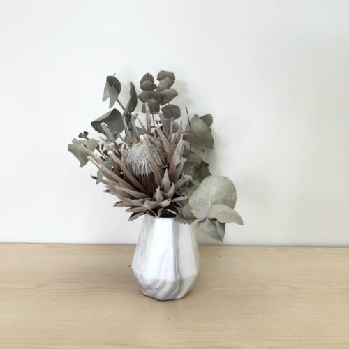 Cosmo Vase - with flowers - Major and Minor - Wedding and Event Hire - Wanaka Hire - Queenstown
