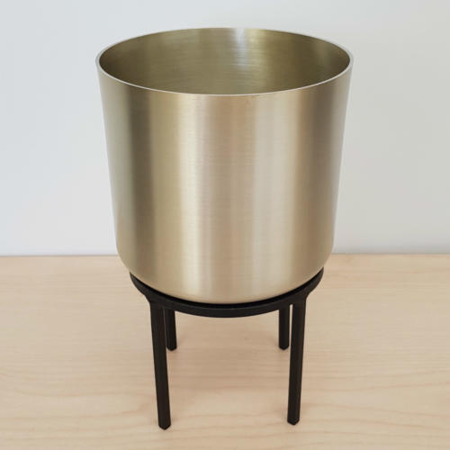 gold pot with stand - major and minor hire - wedding hire wanaka - wedding hire queenstown