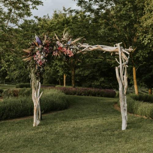 Driftwood Wedding Arch _ Styled _ Wedding Arch _ Wanaka _ Queenstown _ Major and Minor Hire